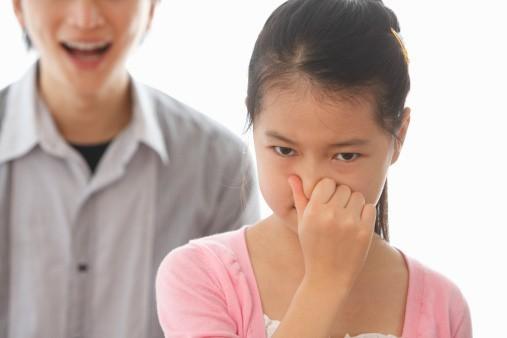 Причины запаха изо рта у детей